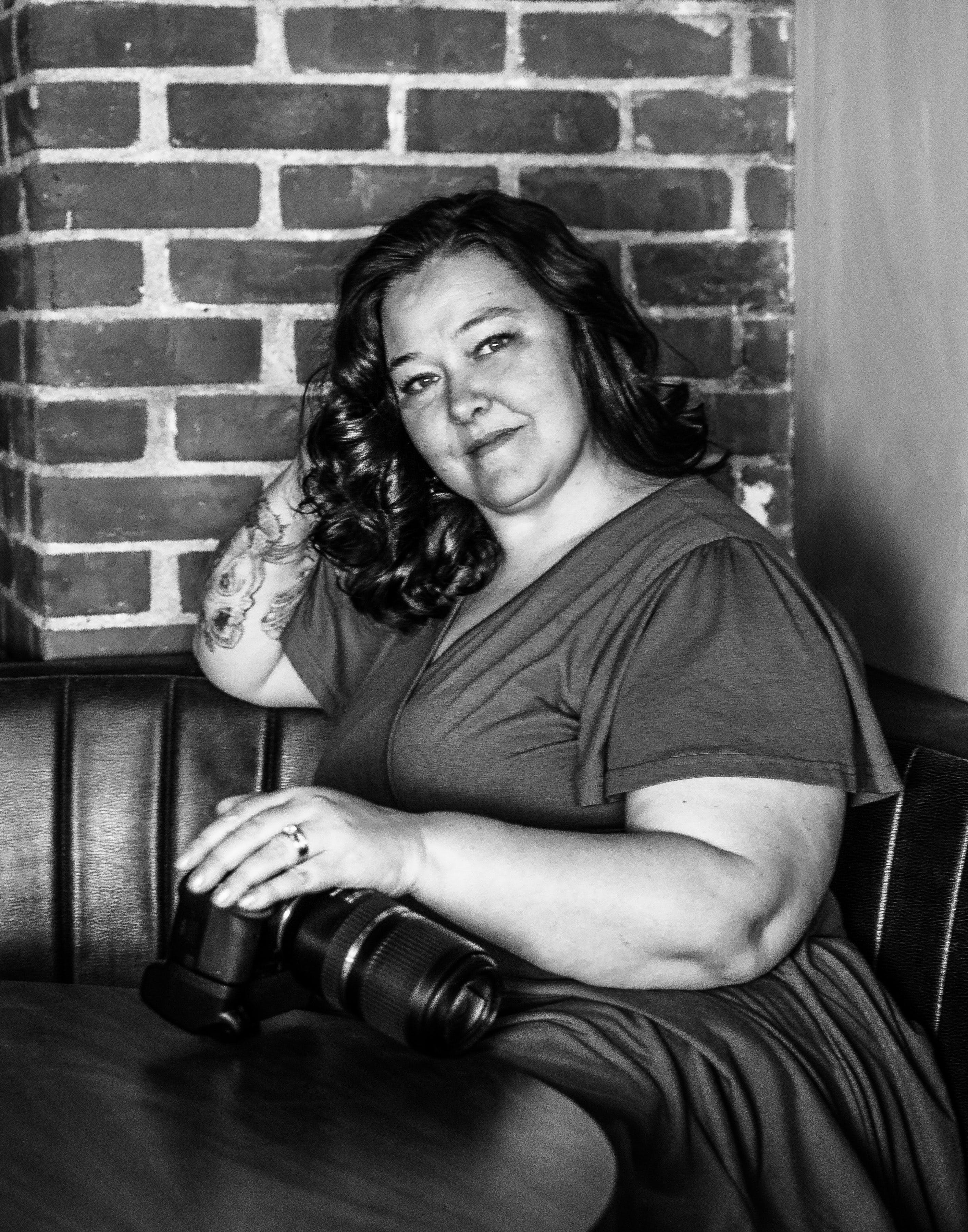 Free stock photo of bbw, black and white, camera, vintage beauty