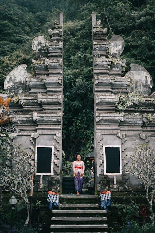 Ilmainen kuvapankkikuva tunnisteilla aasialainen nainen, arkkitehtuuri, kivet, kulttuuri