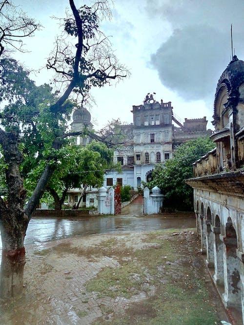 Бесплатное стоковое фото с дождь, памятник