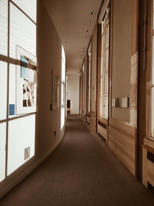 Základová fotografie zdarma na téma architektura, budova, chodba, design