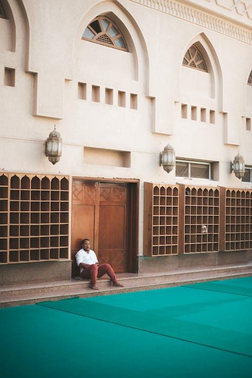 Foto stok gratis Arsitektur, gerbang masuk, laki-laki, membangun