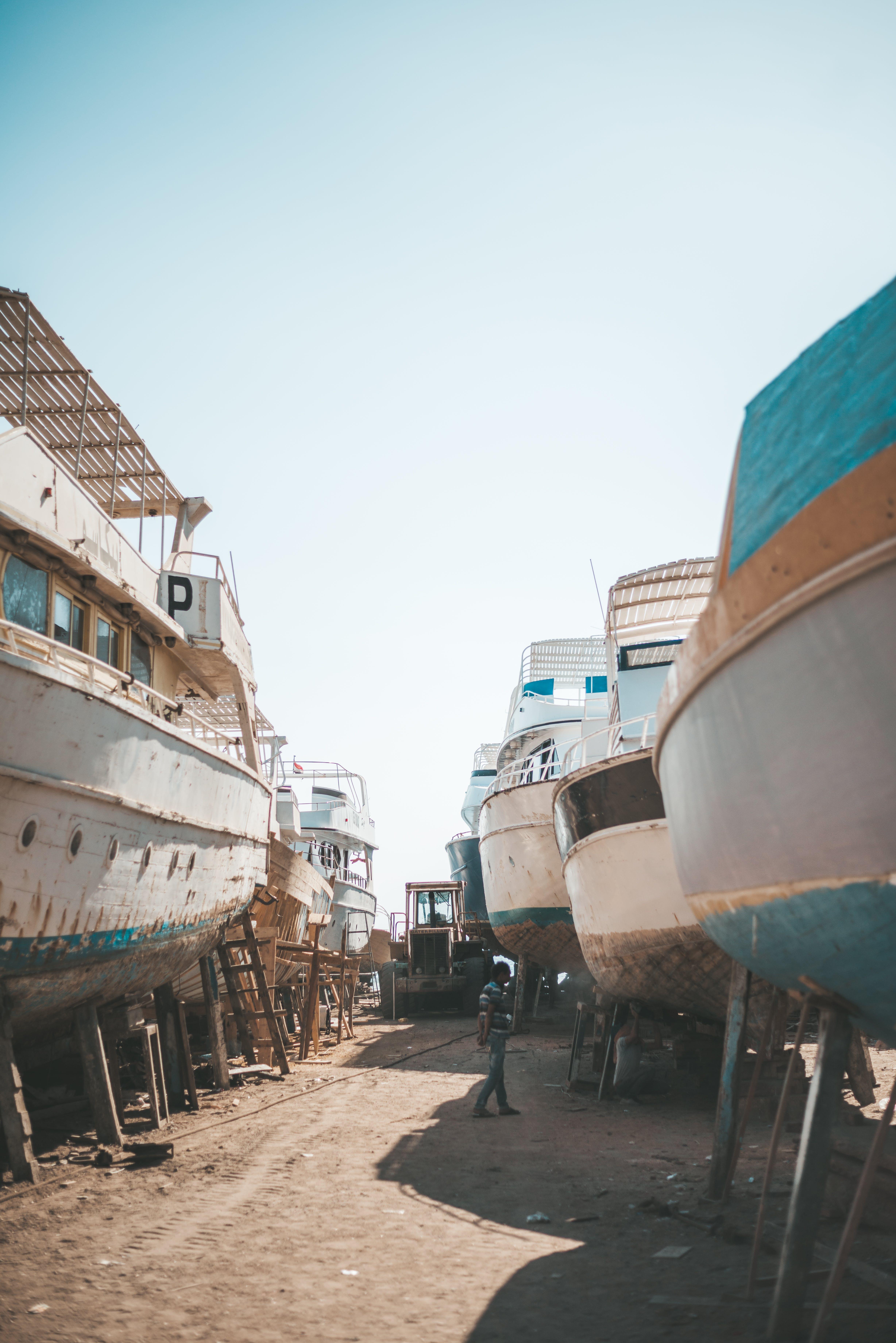Gratis arkivbilde med båter, dagslys, fartøy, forankret