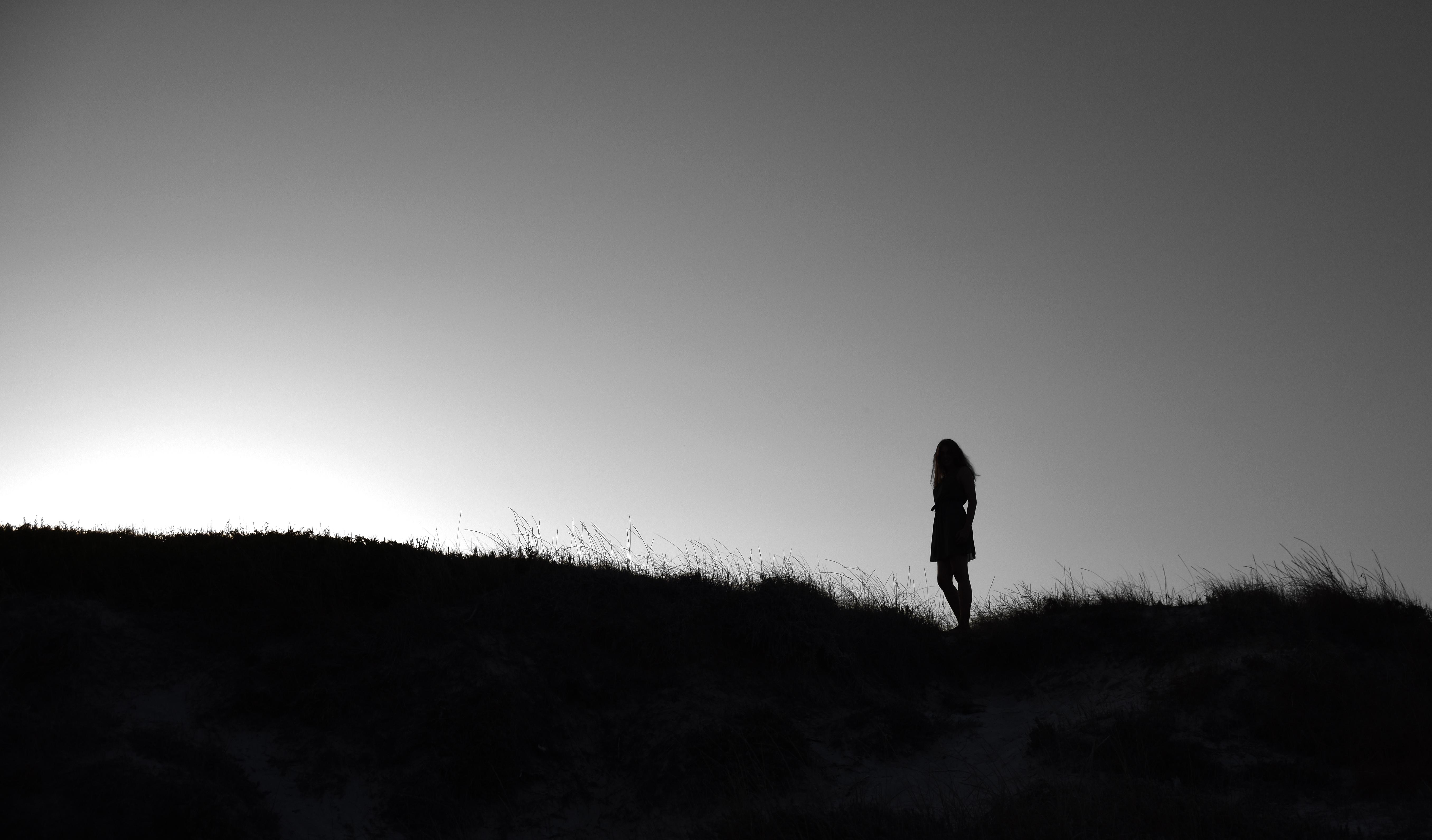 Abiti in bianco e nero per adolescenti