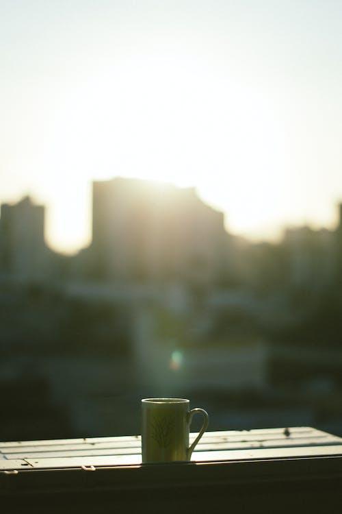 Darmowe zdjęcie z galerii z filiżanka kawy, głębia pola, jasny, ogniskować