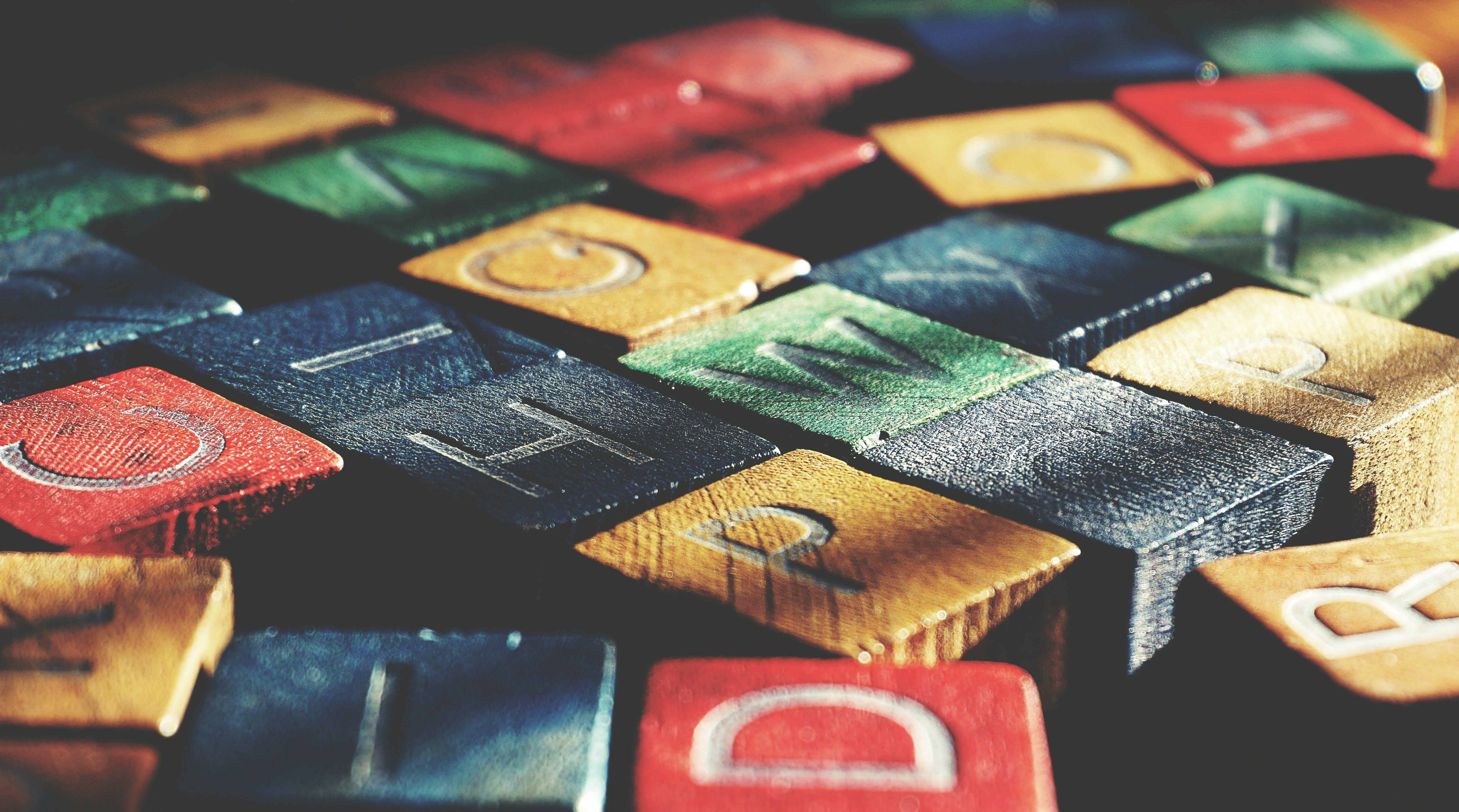 Kostenloses Stock Foto zu briefe, briefwürfel, bunt, spiel