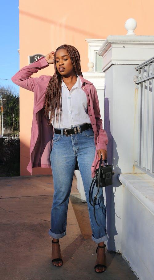 Ingyenes stockfotó afrikai, afro-amerikai nő, Aranyló nap, barna témában
