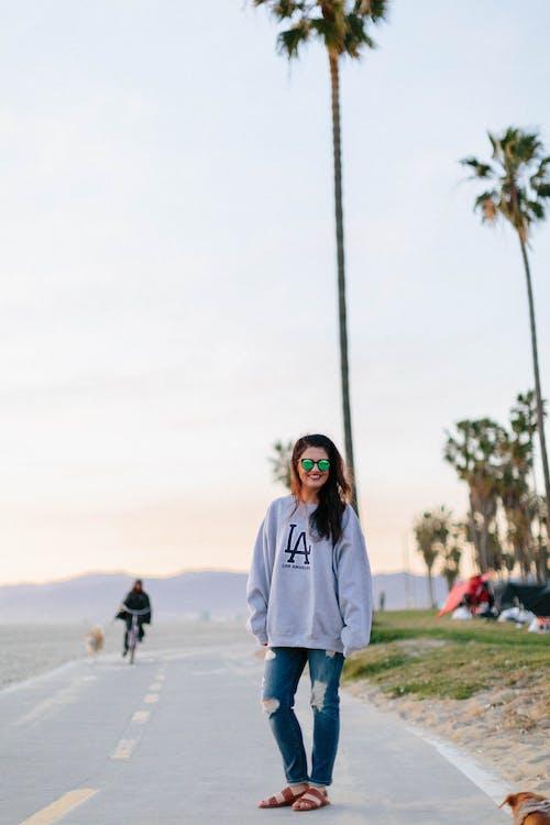 Foto stok gratis fashion, gaya, jalan, kaum wanita