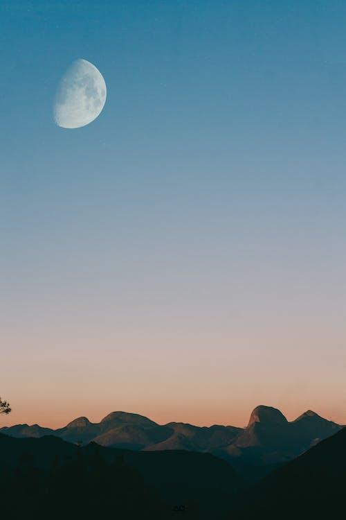 Základová fotografie zdarma na téma hory, krajina, malebný, měsíc