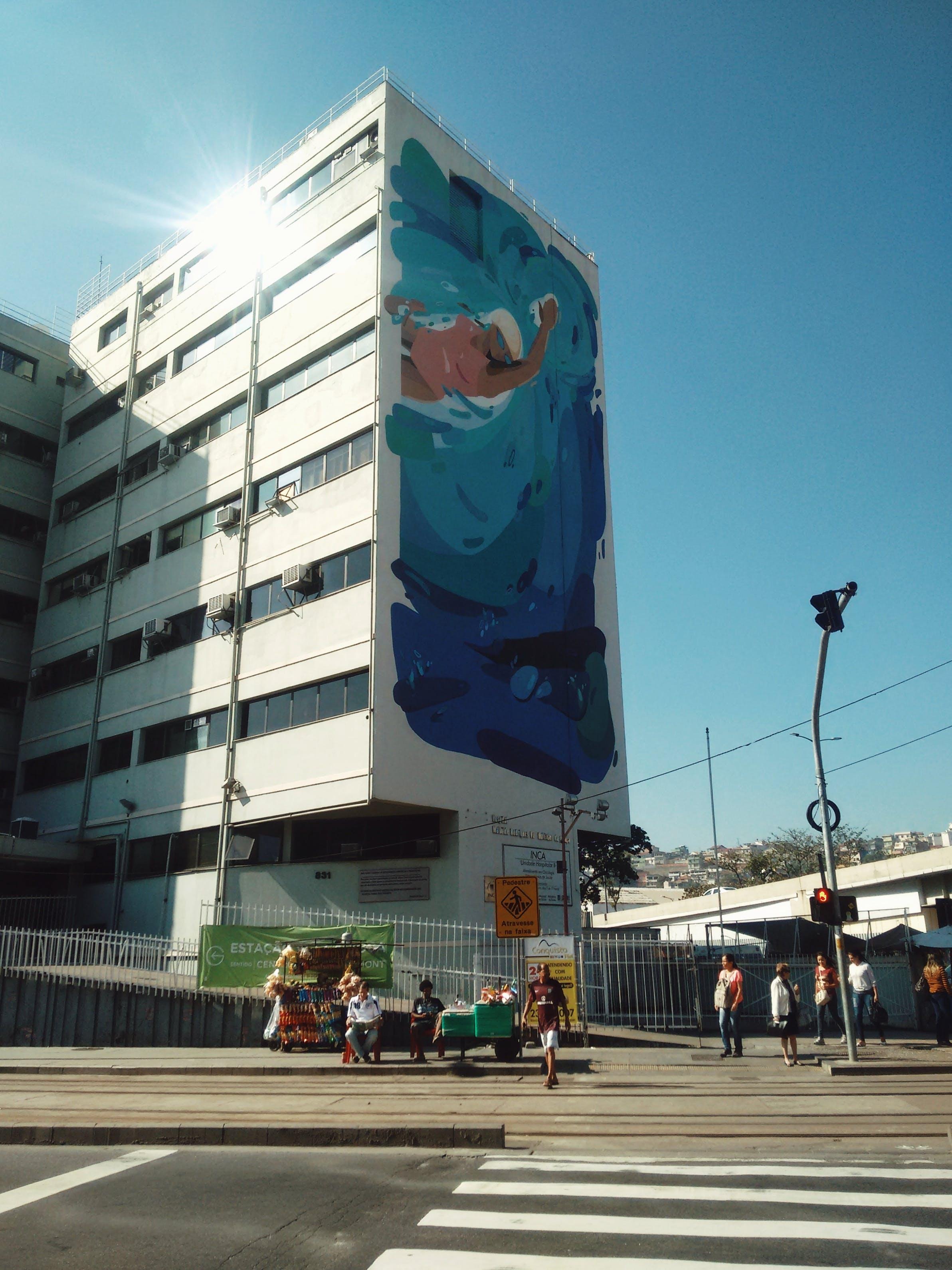 Základová fotografie zdarma na téma asfalt, budova, chodci, dálnice