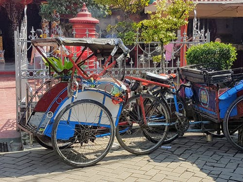 #indonesia #jakarta #muslim #traffic #bike 的 免費圖庫相片
