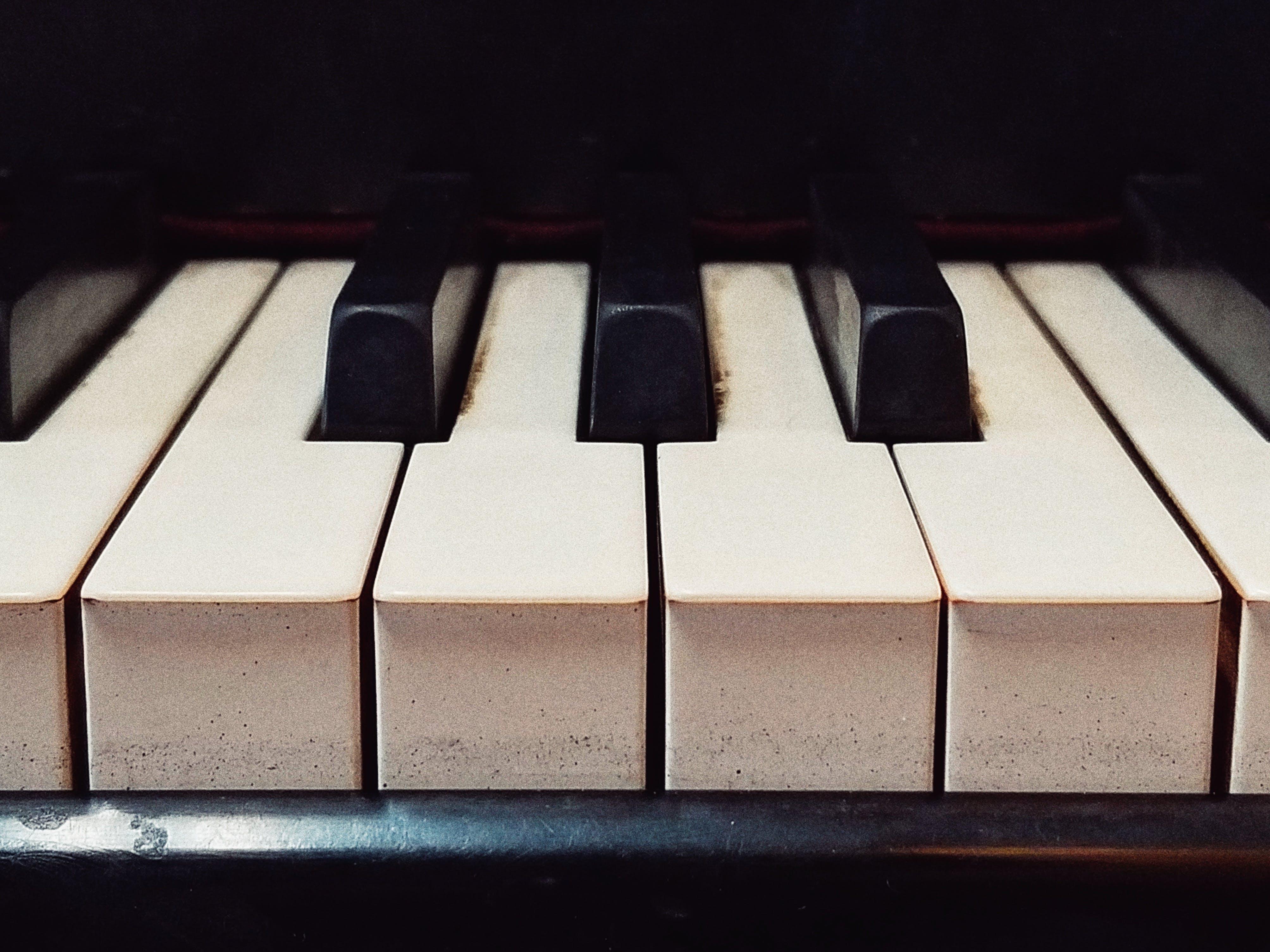 Foto stok gratis hitam dan putih, musik, piano