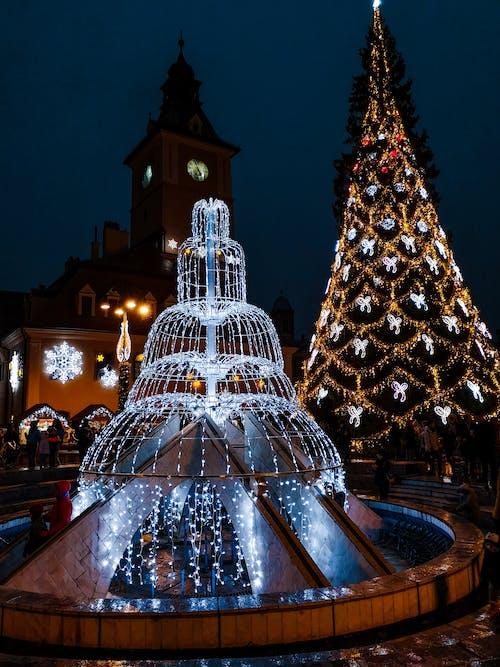 Imagine de stoc gratuită din beculețe de crăciun, brad de crăciun, fântână, iluminat