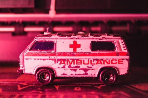 Foto stok gratis ambulan, bermain, fotografi mainan, keadaan darurat