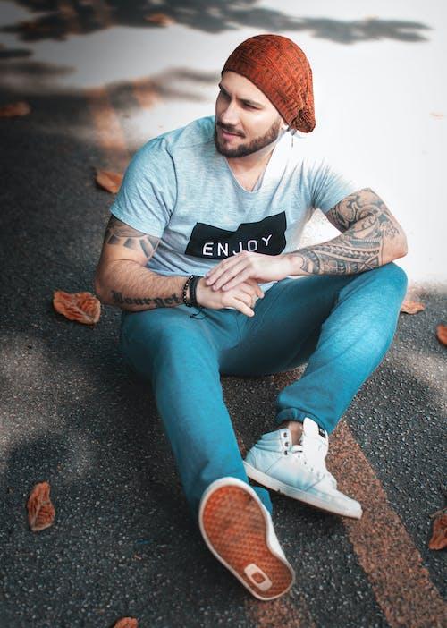 Foto d'estoc gratuïta de assegut, de moda, estil, home
