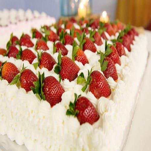 Foto d'estoc gratuïta de #wedding #cake #dessert strawberry