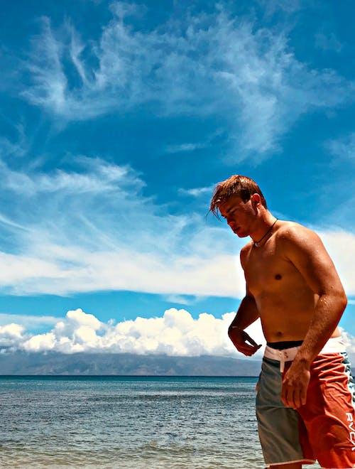 Fotos de stock gratuitas de aventura, hacer surf, Hawai, hombre