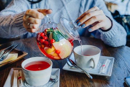 Immagine gratuita di bevanda, bicchiere, concentrarsi, cucchiaio