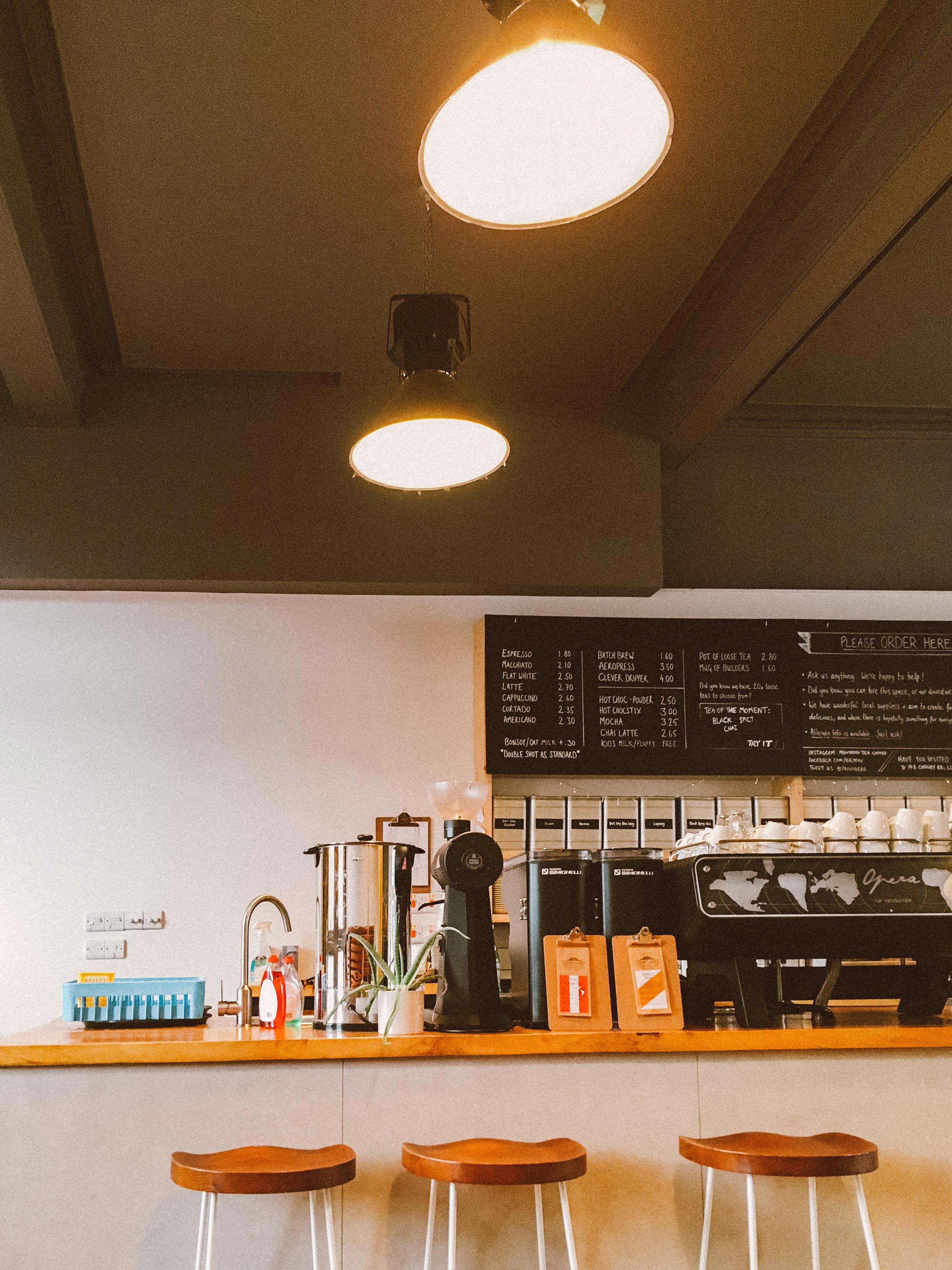 Kostenloses Stock Foto zu architektur, café, drinnen, innenarchitektur