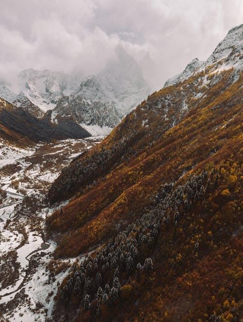 Fotobanka sbezplatnými fotkami na tému chladný, fotografia prírody, fotografia zdronu, hory
