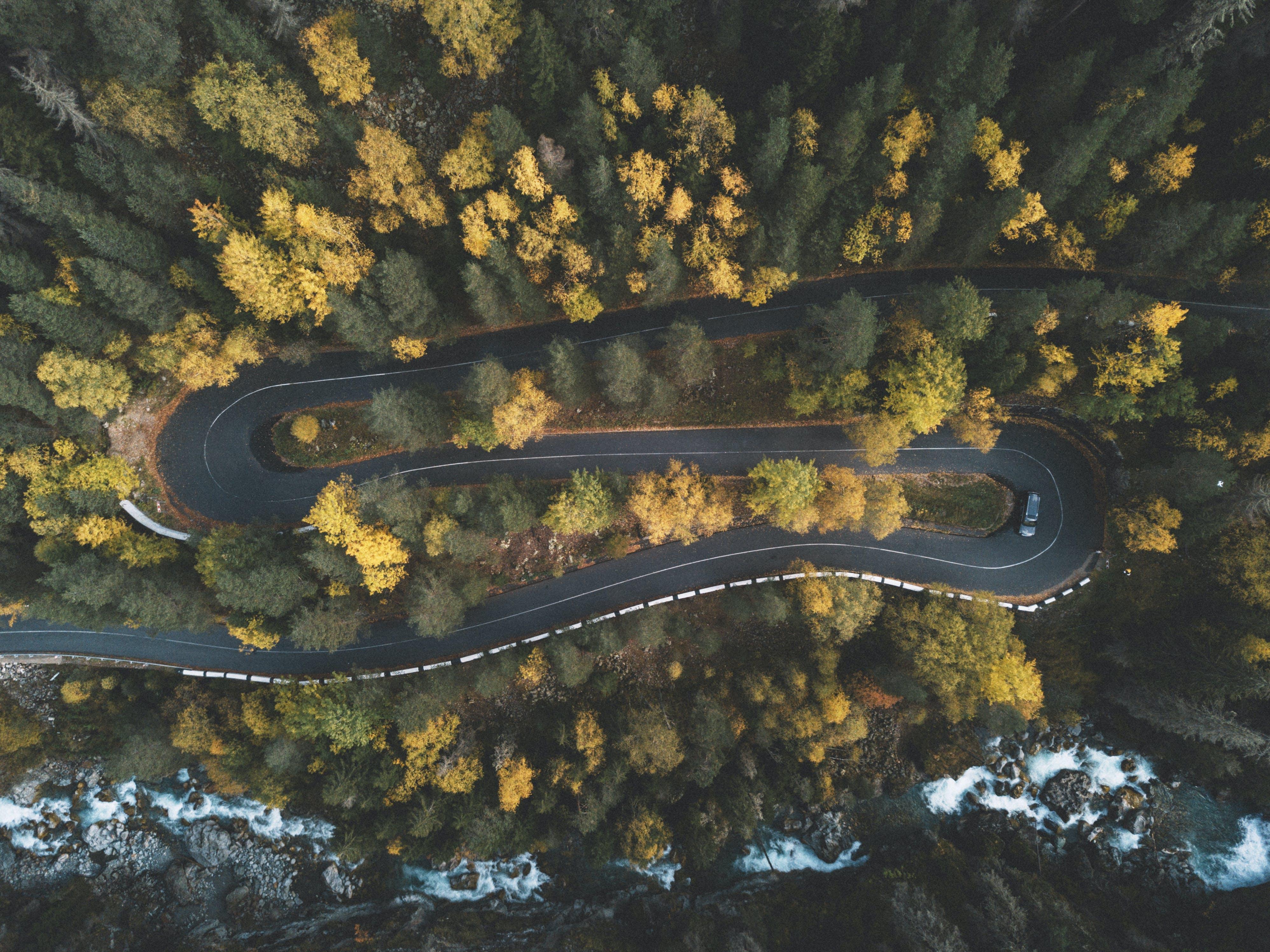 Kostenloses Stock Foto zu 4k wallpaper, aufsicht, auto, autobahn
