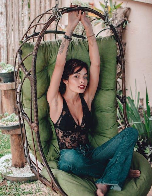 Darmowe zdjęcie z galerii z atrakcyjny, elegancki, kobieta, ładny