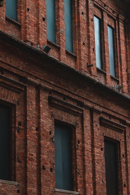 Бесплатное стоковое фото с архитектура, Архитектурное проектирование, здание, кирпичная стена
