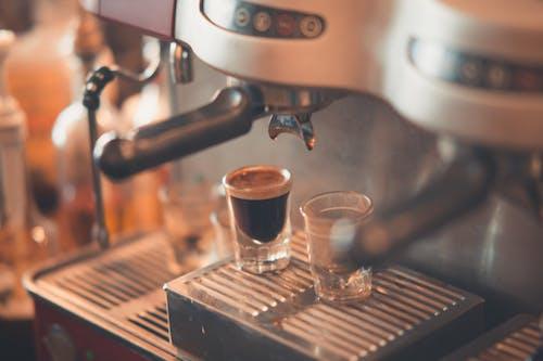 Photos gratuites de beau, boire, boisson au café, brassé