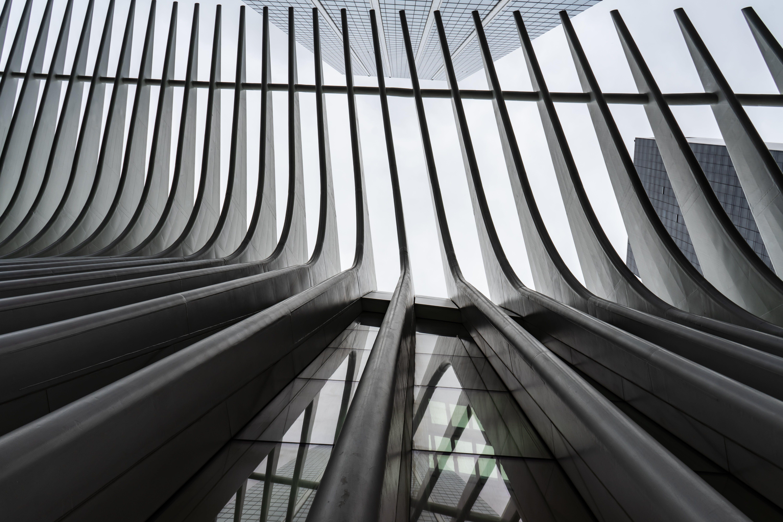 Kostenloses Stock Foto zu abstrakt, architektur, architekturdesign, aufnahme von unten