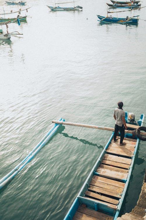 Kostenloses Stock Foto zu boot, fischer, luftschuß, mann