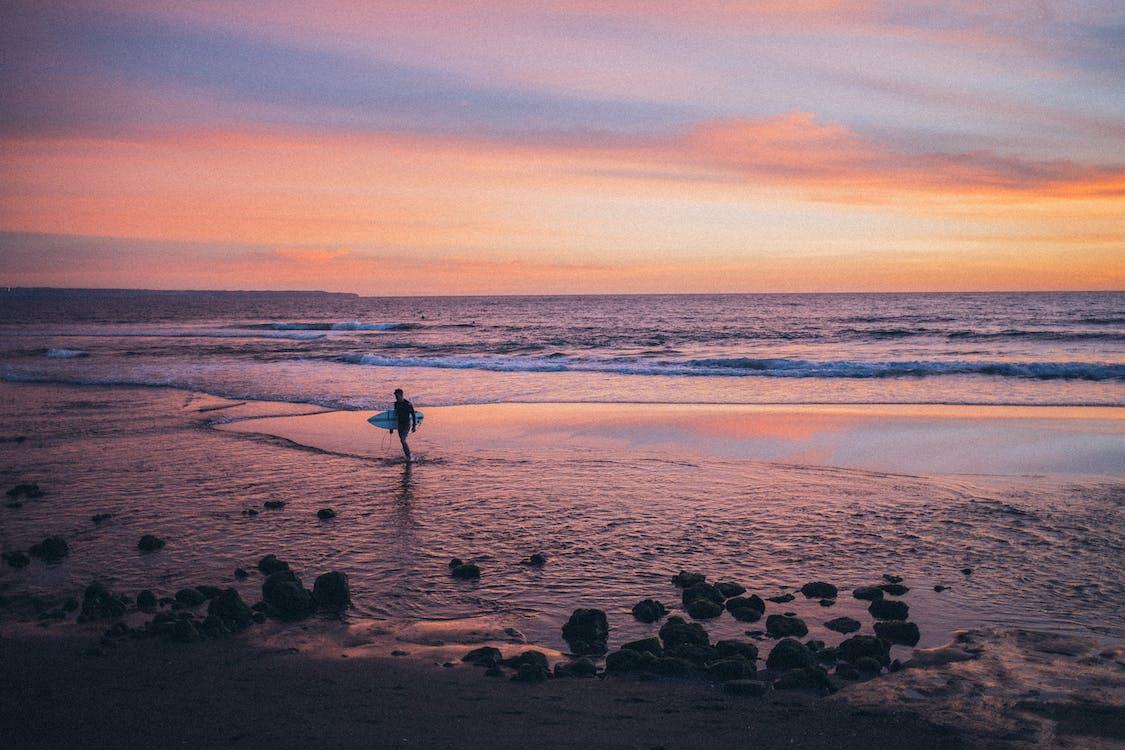 берег моря, горизонт, з підсвіткою