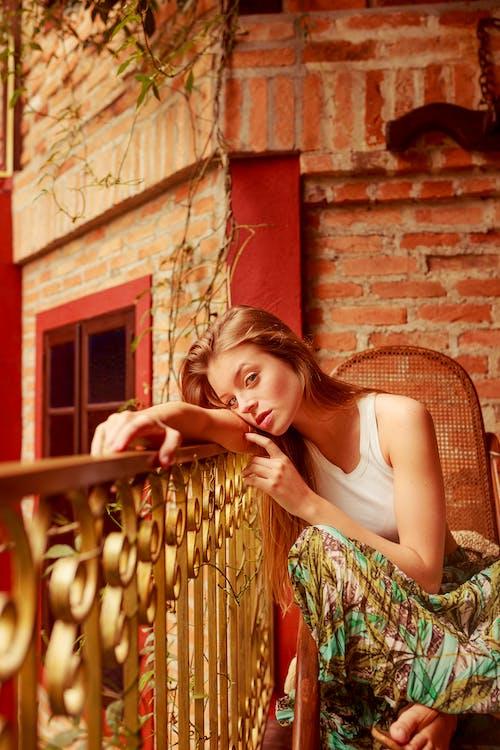 Безкоштовне стокове фото на тему «вираз обличчя, відпустка, вродлива, Гарний»