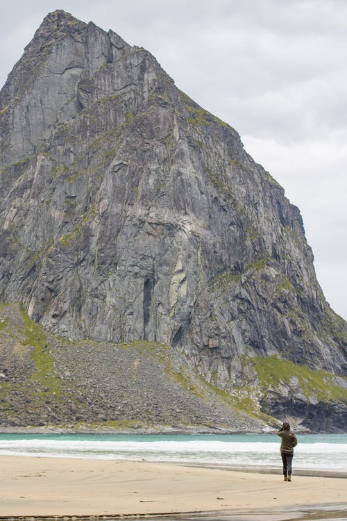 Безкоштовне стокове фото на тему «банок, гори, зелений, камені»