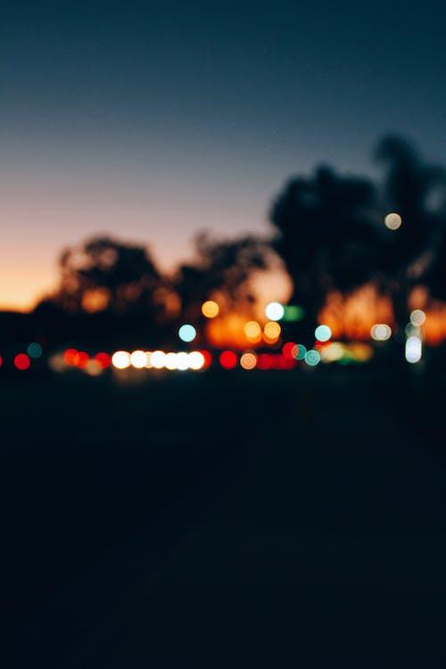 Gratis lagerfoto af belyst, by, byens lys, farver