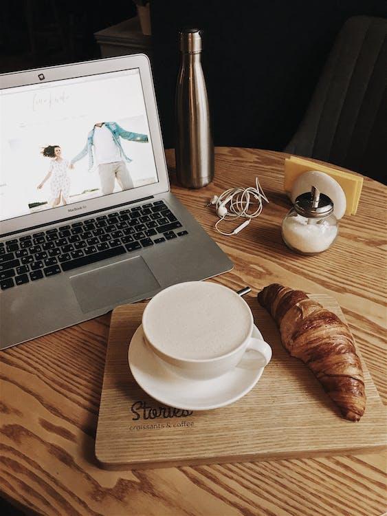 asztal, beltéri, billentyűzet