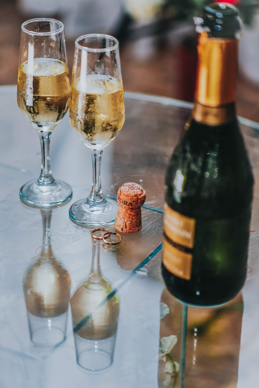Darmowe zdjęcie z galerii z alkohol, białe wino, butelka, drink