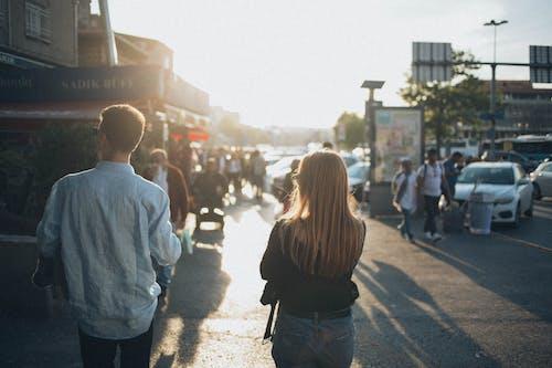 Бесплатное стоковое фото с дорога, женщина, люди, мужчина