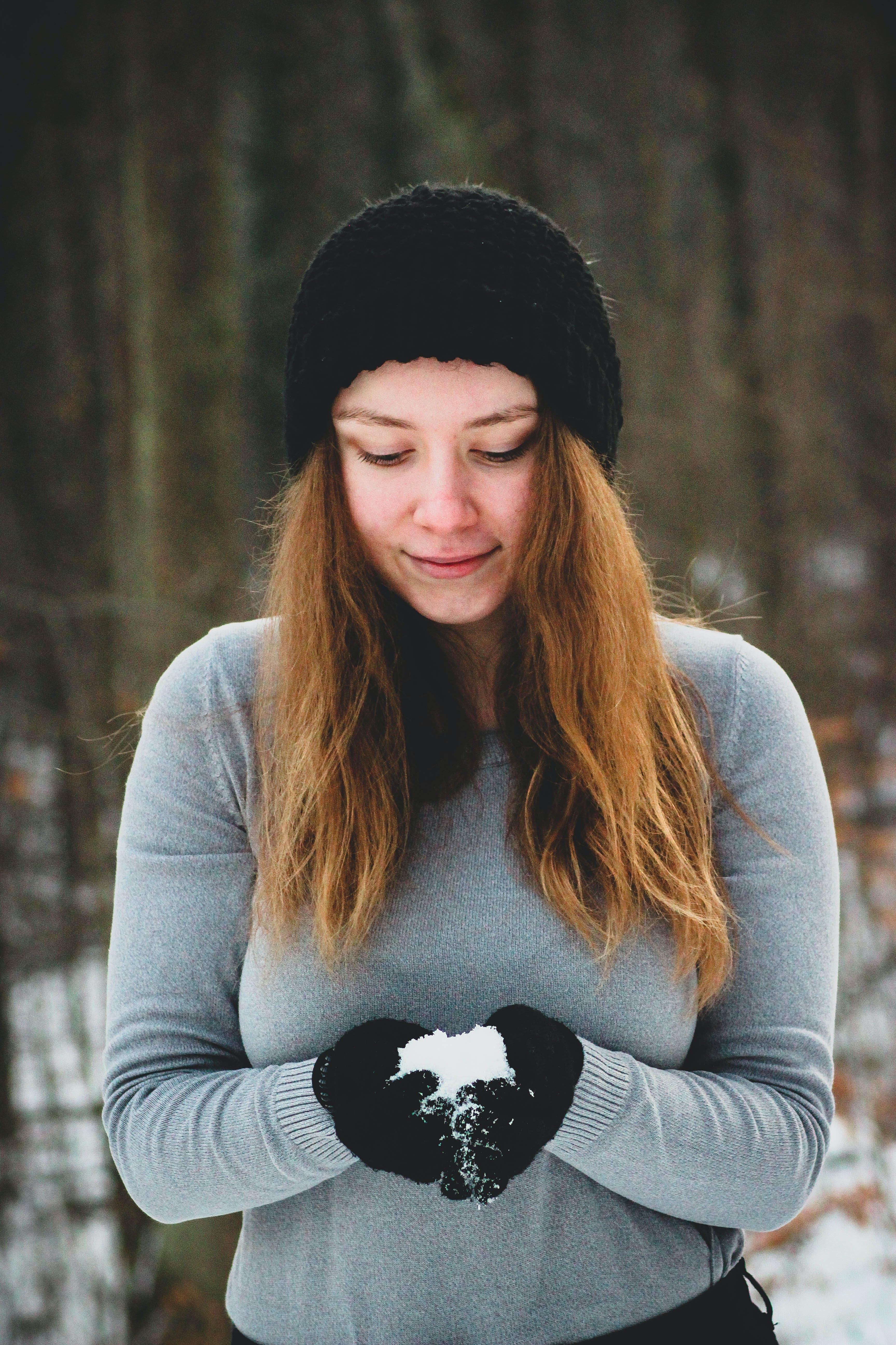 Gratis lagerfoto af close-up, forkølelse, kvinde, nuttet