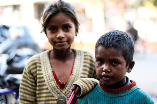 Kostnadsfri bild av asiatisk pojke, asiatisk tjej, barn, gata