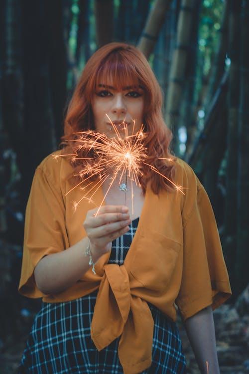 dama, dziewczyna, fajerwerki