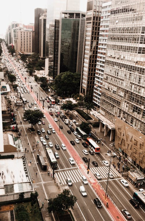 Photos gratuites de architecture, automobiles, autoroute, bâtiments