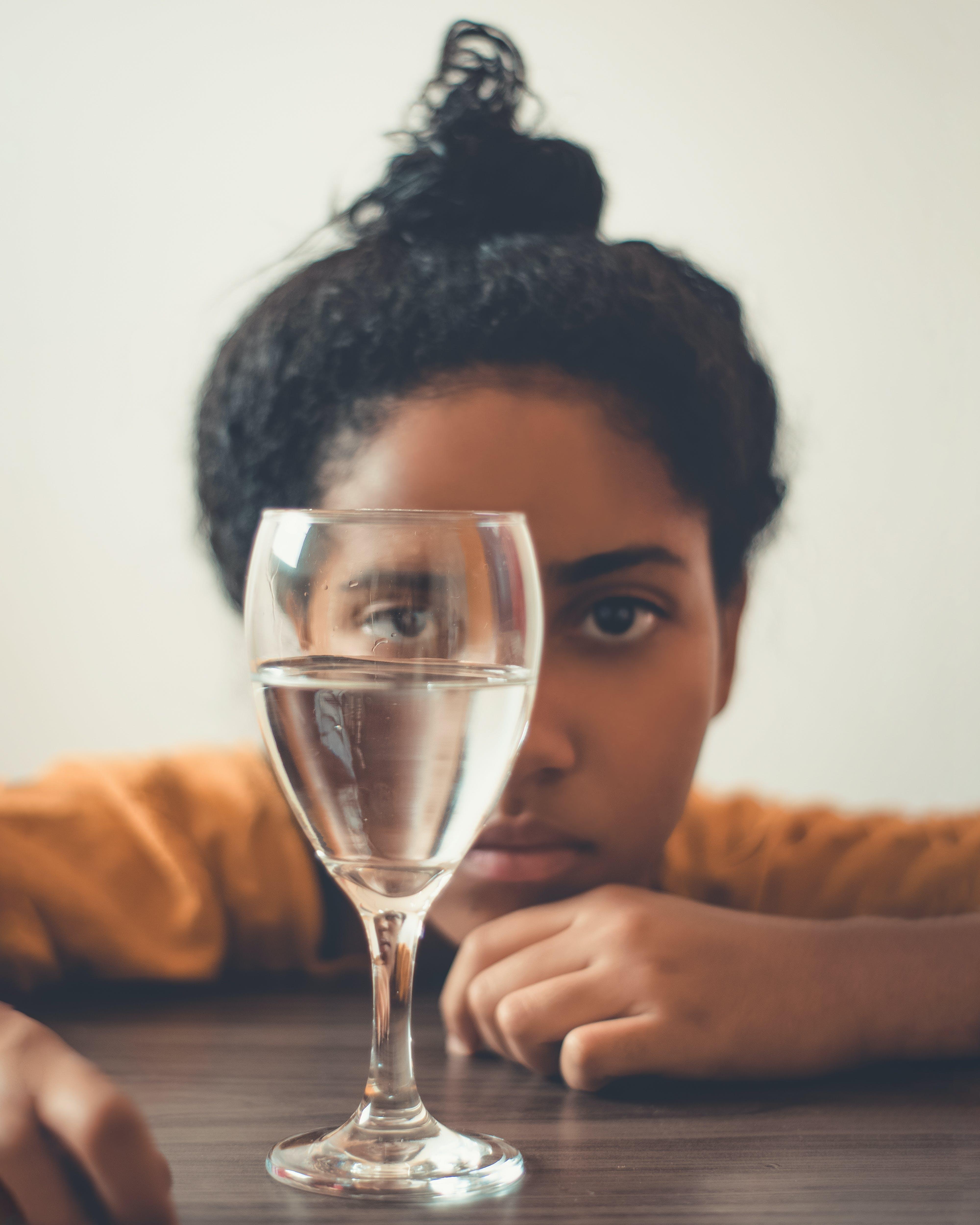 おしゃれ, インドア, カクテルグラス, カジュアルの無料の写真素材