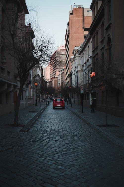 Fotobanka sbezplatnými fotkami na tému auto, budovy, cesta, mesto