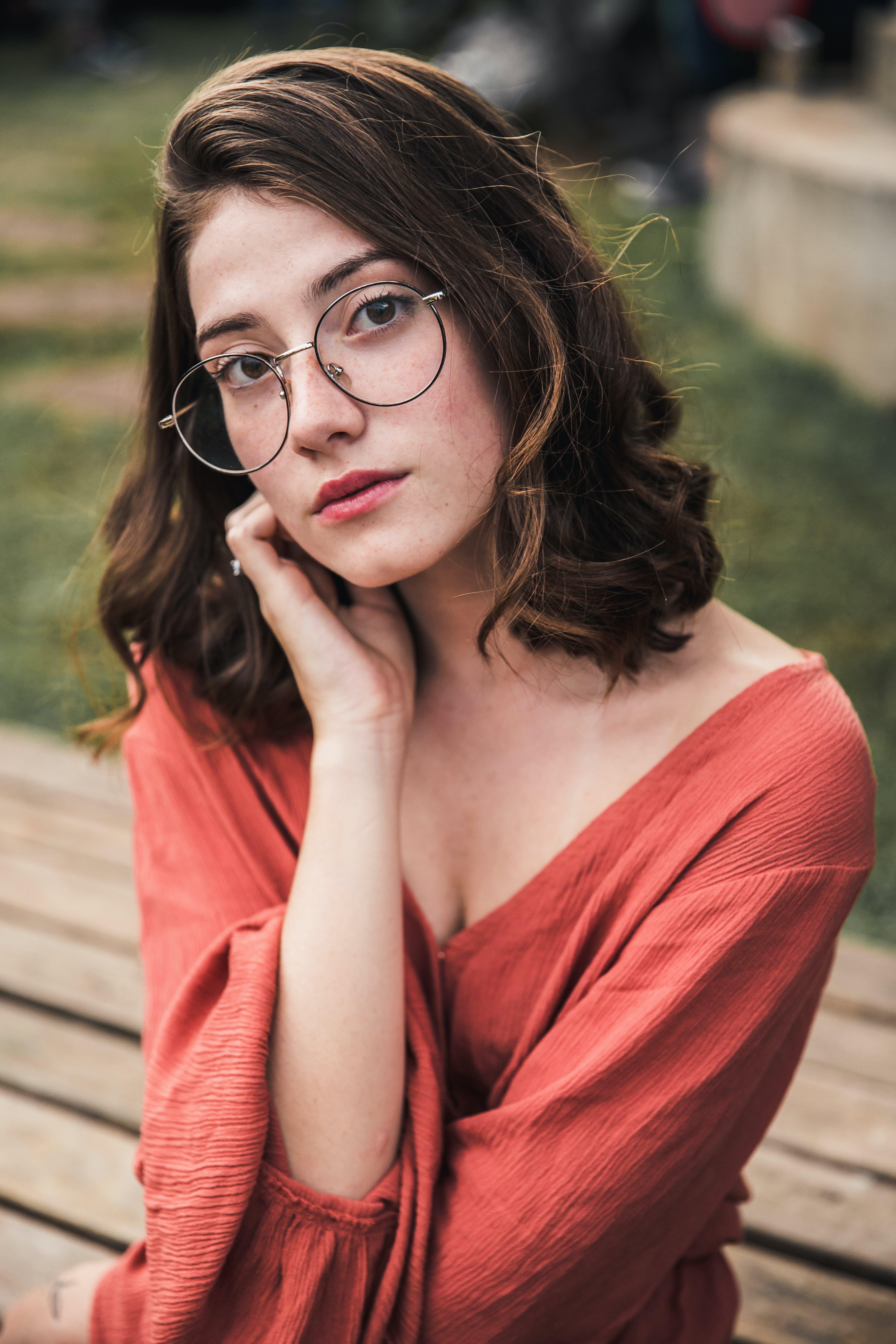 Gratis lagerfoto af attraktiv, briller, kvinde, mode