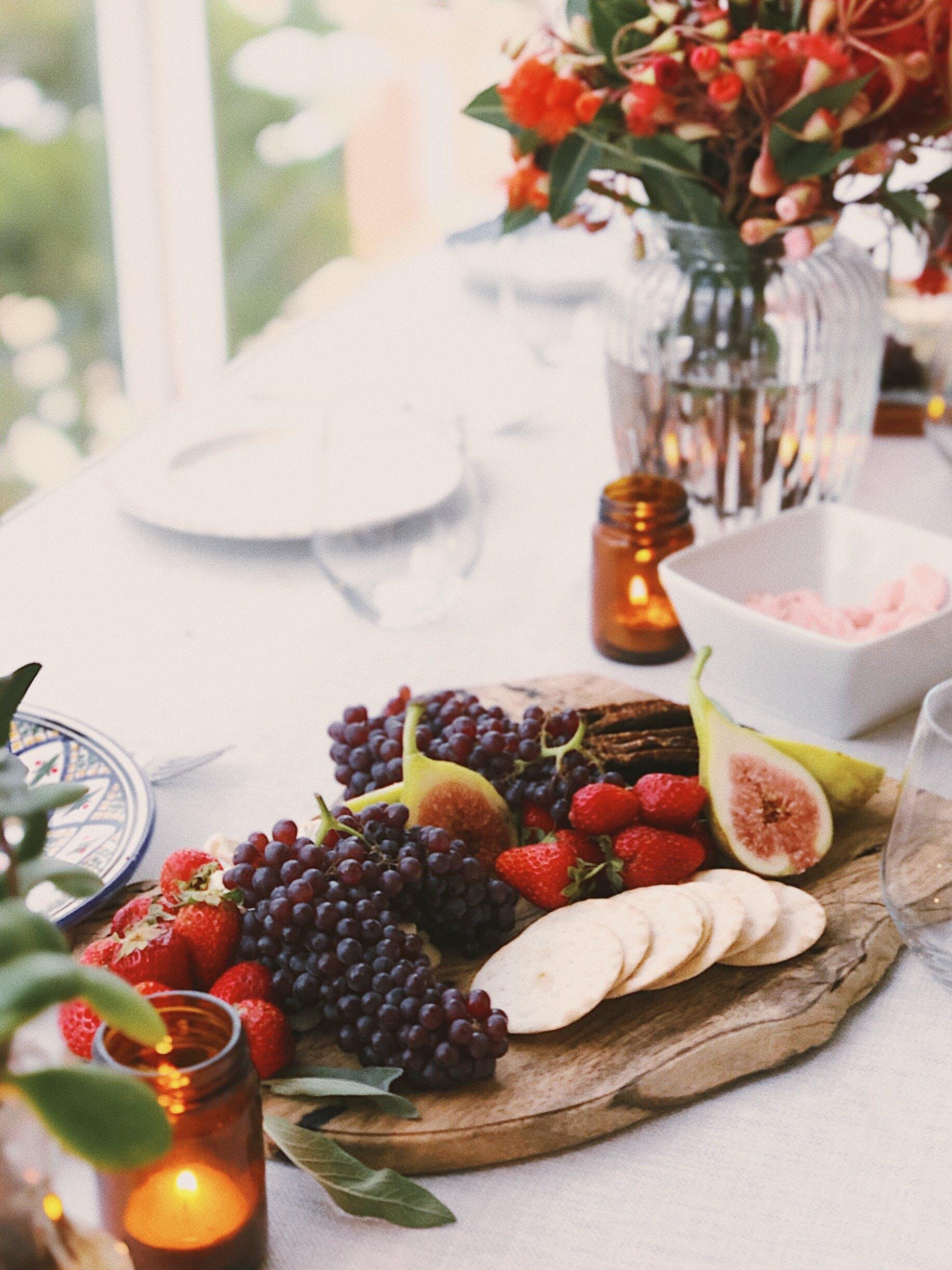 Darmowe zdjęcie z galerii z deska serów, jagoda, jedzenie, obiad