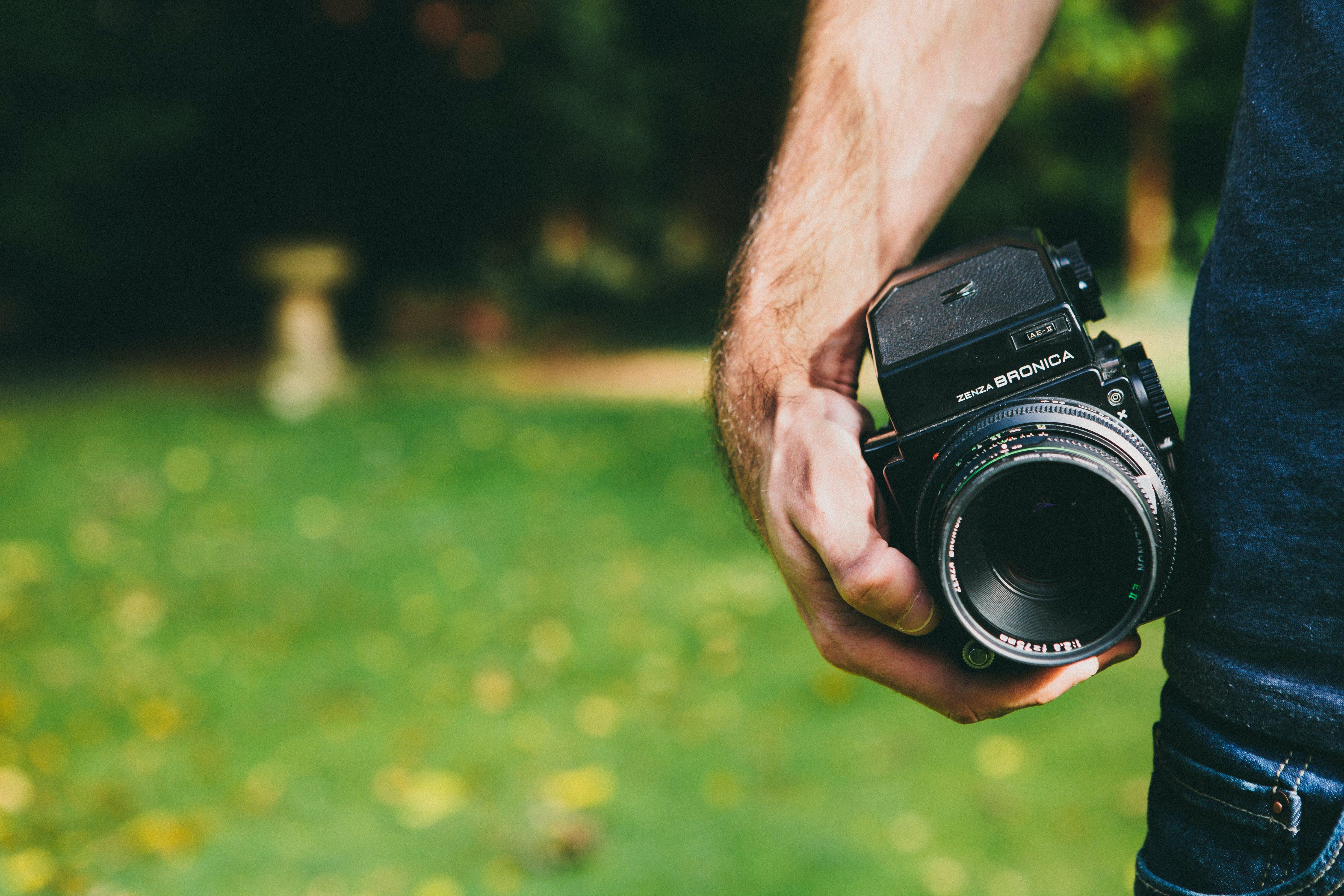 Ingyenes stockfotó analóg fényképezőgép, bronica, dslr, fényképész témában