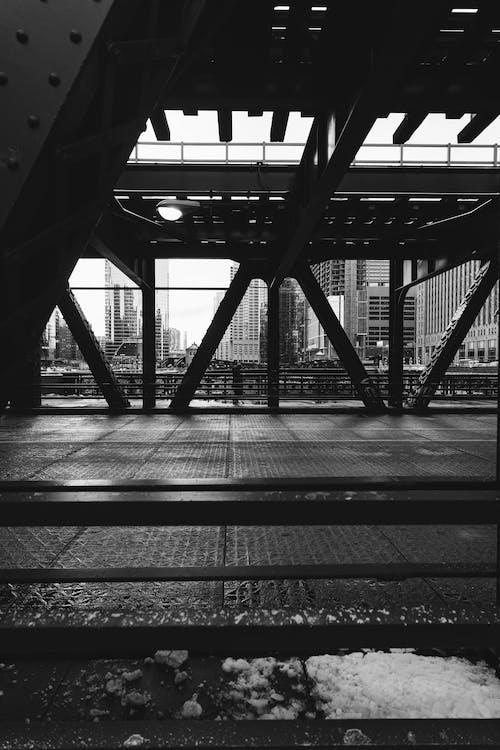 Fotografia Mostu W Skali Szarości