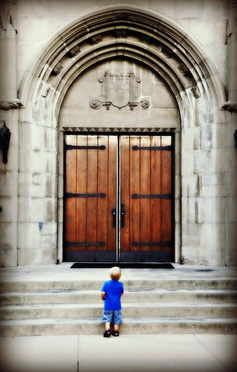 Dios, Iglesia, niño