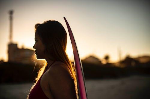 バックライト付き, 人, 女性の無料の写真素材