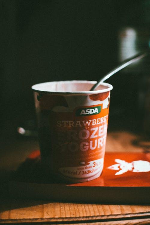 Kostenloses Stock Foto zu drinnen, dunkel, essen, gefrorener joghurt