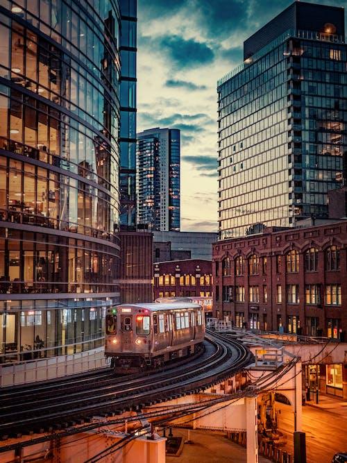 シティ, ダウンタウン, 列車, 建物の無料の写真素材